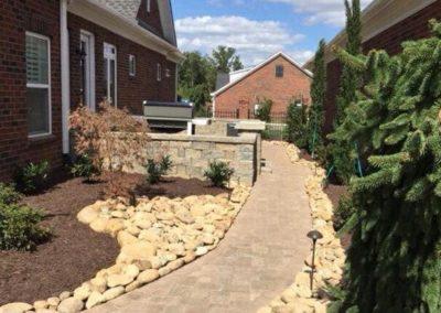 lees-nursery-walkway
